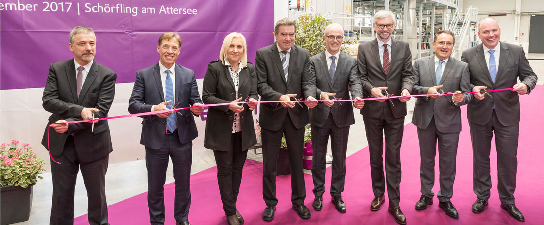 f.l. Dr. Matthias Kottenhahn, Head of the High Performance Polymers Business Line of Evonik, Dr. Claus Rettig, Chairman of the Board of Management of Evonik Resource Efficiency GmbH, Mag. Dr. Angelika Winzig, Member of the Austrian Parliament, Gerhard Gründl, Mayor of the municipality of Schörfling am Attersee, Dr. Harald Schwager, Deputy Chairman of the Executive Board of the Evonik Industries AG, Mag. Dr. Michael Strugl, Deputy Governor of Upper Austria (Chairman), Jean-Marc Chassagne, Managing Director of Evonik Fibres GmbH, Dr. Axel Kobus, Head of the Product Line Fibres, Membranes & Specialities of Evonik