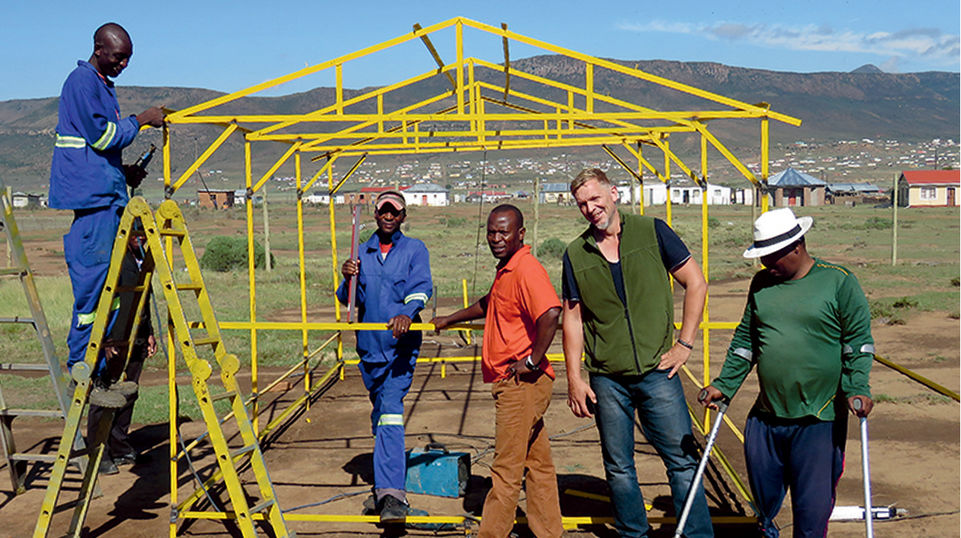 Henhouses were built in Macubeni with the help of Utho Ngathi and Evonik.