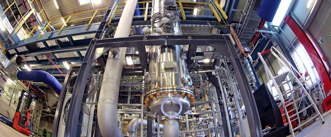 In Evonik's module for the Rheticus test facility, bacteria convert synthesis gases into specialty chemicals such as butanol. Source: Evonik