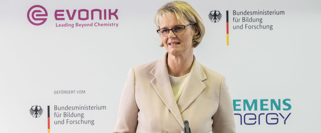 Commissioning of the Rheticus test plant in Marl by Evonik and Siemens-Energy. Federal Minister for Education and Research, Anja Karliczek. Copyright: BMBF/Hans-Joachim Rickel