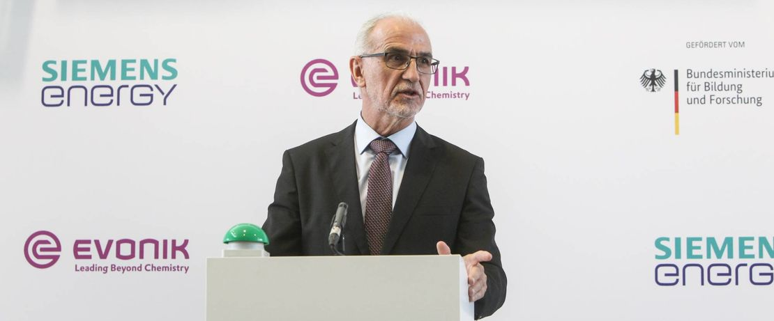 Official opening of the Rheticus test facility in Marl on 21 September 2020 by the Federal Ministry of Education and Research, Siemens Energy and Evonik. Speech Dr. Harald Schwager, Deputy Chairman of the Board of Management Evonik Industries AG. Copyright: Evonik/Debo